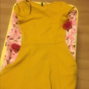Mustard yellow skater dress 😁